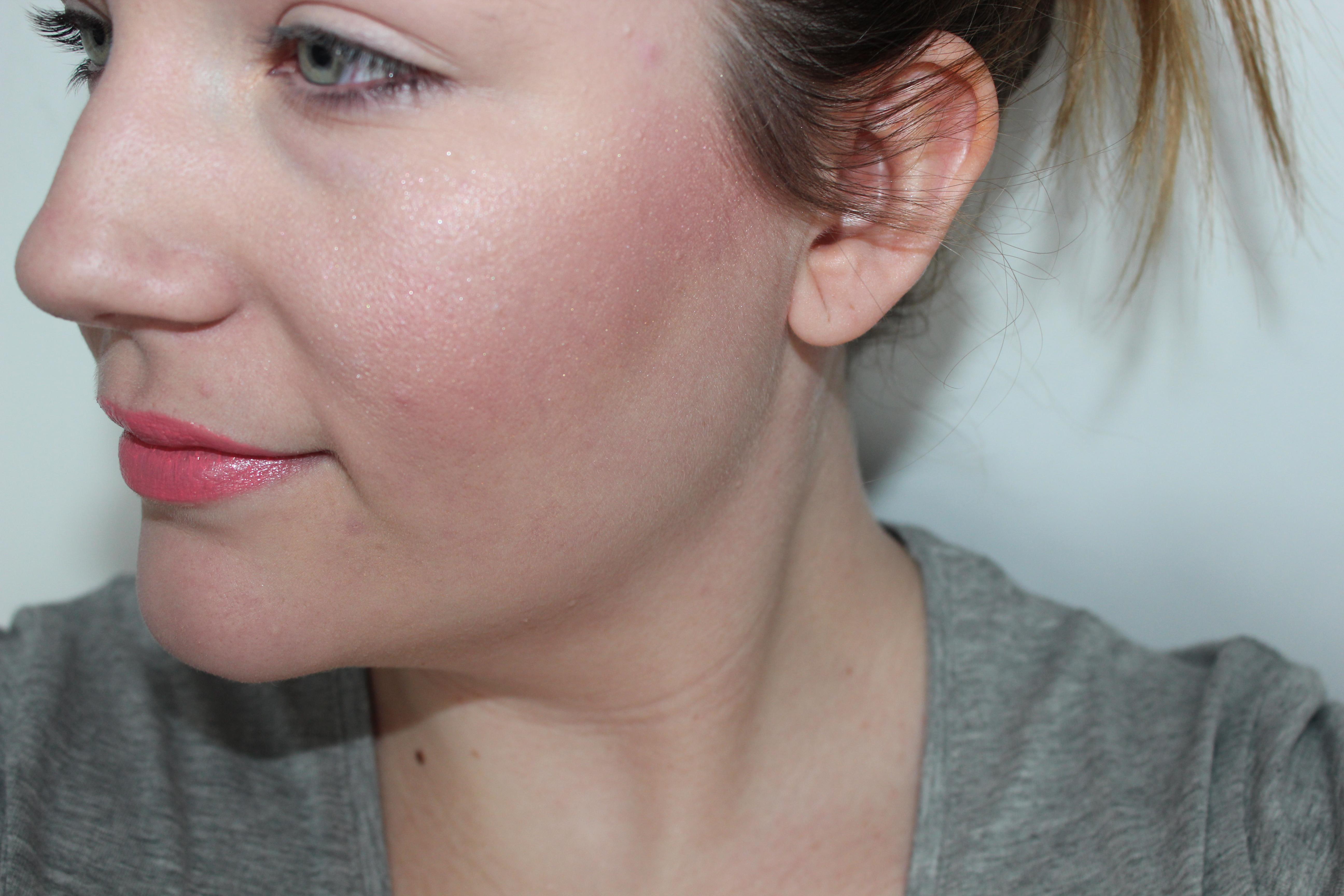 SOS zomervel: zo fake je een kleurtje met make-up   Goed